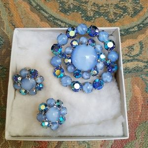 Jewelry - Vintage Brooch and Clip-on earrings